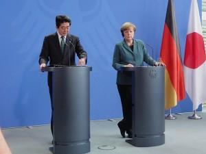 Abe_Merkel 1_Kajimura