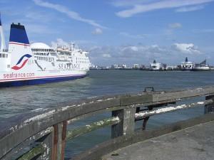 640px-Calais_Harbour